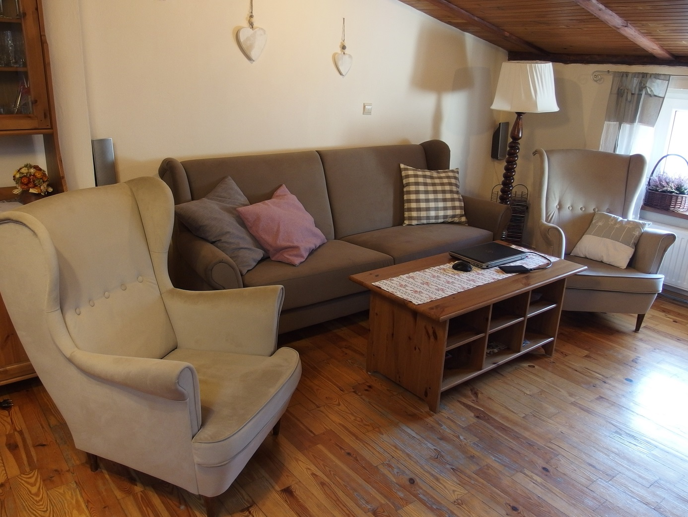 Przytulna i wygodna kanapa rozkładana i fotele Uszaki