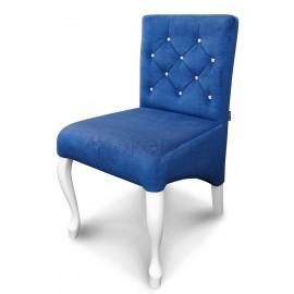Ludwik Bella - krzesło skośne Ludwik z oparciem przeszywanym w karo, pikowanym kryształkami o wys. 85cm od ziemi. Nogi białe.