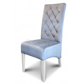 Tunis - krzesło grube, skośne, pikowane w karo z oparciem 108cm od ziemi. Nogi białe.