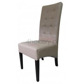 Pireus - krzesło grube skośne z oparciem pikowanym w kwadraty o wysokości 108cm od ziemi.