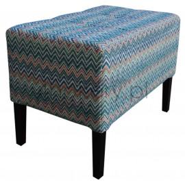 Sewilla / pufa gruba ławeczka do salonu lub sypialni. Przeszywana w kwadraty, pikowana guzikami. Grubość siedziska 25cm.